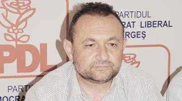 Deputatul Teodorescu şi-a furat amenzi în campanie, de la doi primari de-ai săi 2