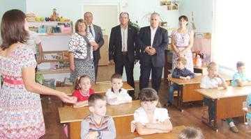 Senatorul Iulian Cristache, donaţie de aproape 7.000 de cărţi pentru elevii români din Găgăuzia 5