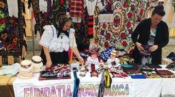 Mii de participanţi la Festivalul Tradiţii Argeşene de la Corbeni 3