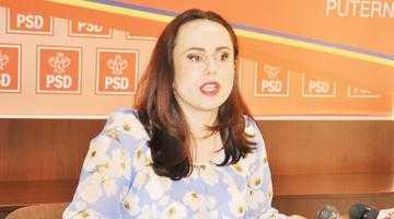 """Simona Bucura Oprescu: """"E uşor să te uiţi în curtea altuia"""" 4"""