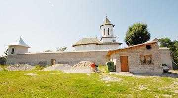 Curţile fortificate Mareş Băjescu şi Biserica Adormirea Maicii Domnului 5