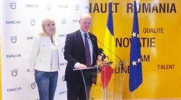 """Elena Udrea la Dacia:  """"Un sprijin din partea Guvernului pentru o poveste de succes cum este Dacia este obligatoriu"""" 4"""