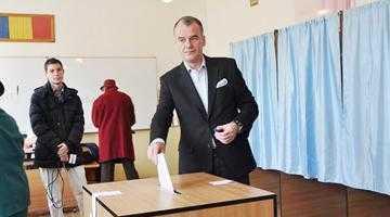 """Iani Popa a scăpat ştampila de vot: """"Aoleo! Să nu fie semn rău!"""" 4"""