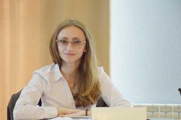 Cea mai tânără consilieră judeţeană, Denisa Zevedei, a părăsit CJ Argeş 5