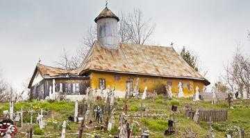 Biserica de lemn din Moşteni-Greci, lăcaş de cult vechi de 152 de ani 5