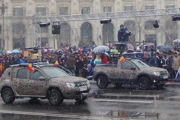 Duster Army şi Duster Pick-Up, vedete la Parada Militară de 1 Decembrie 5