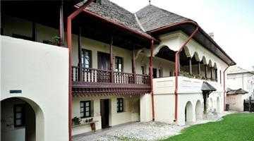 Muzeul de etnografie şi artă populară, cea mai veche construcţie civilă din Câmpulung 4