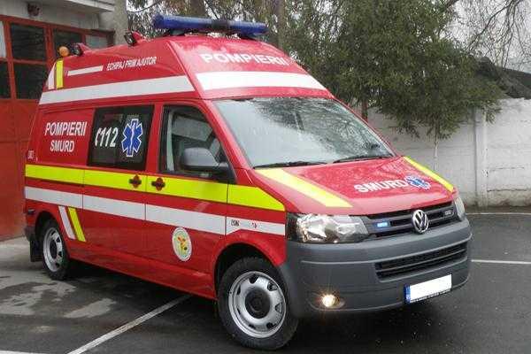 Argeşul a primit două noi ambulanţe 5