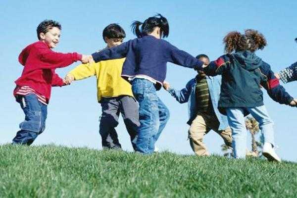 Aberație: Fiscul cere la 11.000 de copii din Argeș să plătească CAS 6