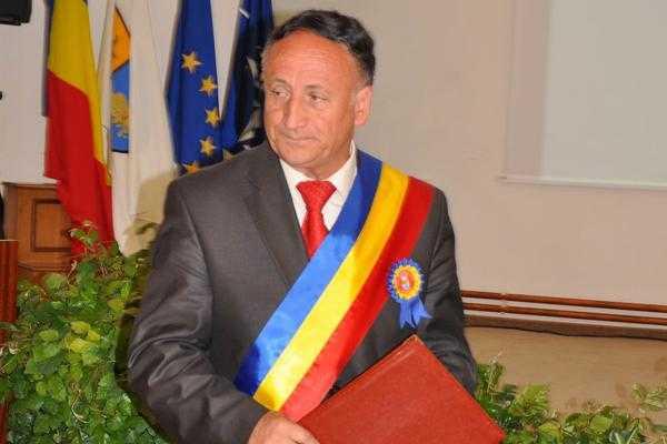Primarului Pendiuc i s-a montat un stent pe inimă 4