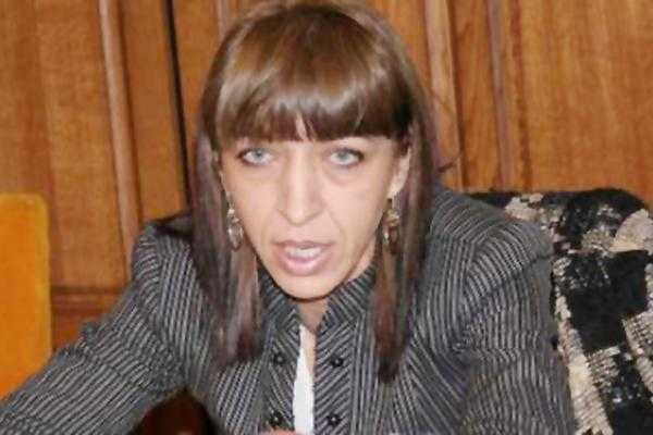 Directoarea Mariana Ionescu de la Mediu s-a suspendat din funcţie 5