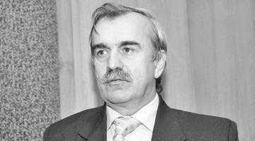 """""""I-am interzis arbitrului Toboşaru să mai joace rummy pe bani şi să consume alcool în sala de şedinţe a AJF"""" 3"""