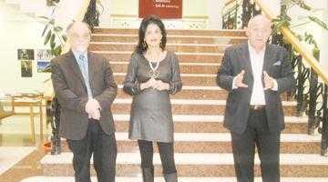"""""""Hobbiţii"""" au expus la Biblioteca Judeţeană """"Dinicu Golescu"""" Argeş 6"""