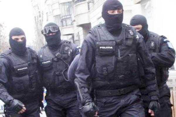 Percheziții la firme din Argeș bănuite de evaziune de miliarde 5