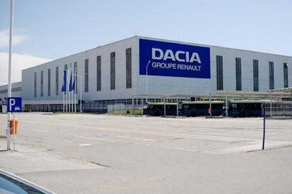 Datorită creşterii vânzărilor Dacia, profitul Renault a urcat la 1,99 miliarde euro în 2014 3