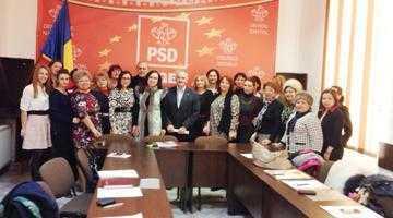 Deputatul Simona Bucura-Oprescu a lansat un program de pregătire a femeilor din PSD Argeş pentru alegerile locale şi parlamentare din 2016 5