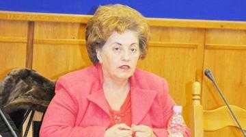 Doamna Pendiuc nu iese la piaţă decât însoţită de ginere 5