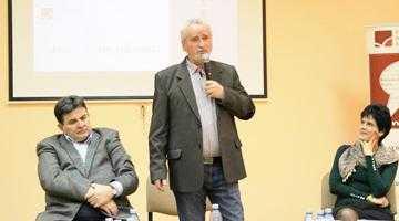 Lucian Avramescu, regal de poezie la Biblioteca Judeţeană 4