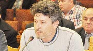 Consiliul Judeţean Argeş, atras în bătălia pentru funcţii de la Teatrul Davila 2