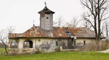 Biserica de lemn  din Cerşani Vale, omisă  pe nedrept de pe noua listă  a monumentelor istorice 6