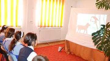 Teatru de umbre pentru copiii din comuna Buzoeşti 5