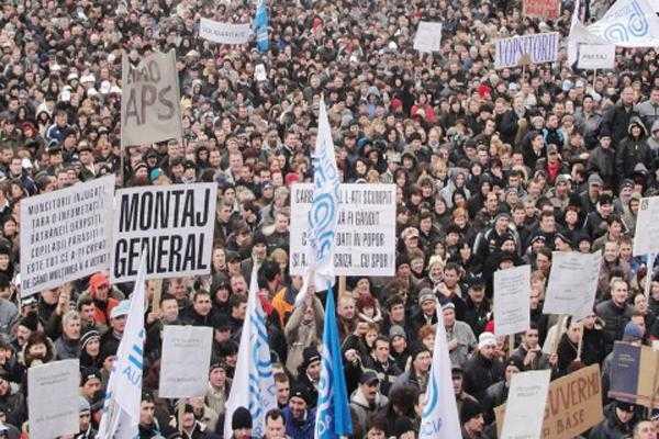 Un nou protest al muncitorilor de la Dacia față de tergiversarea lucrărilor la autostrada Sibiu-Pitești 5