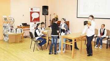 """S-a dat startul ediţiei a II-a a concursului """"Bătălia cărţilor"""", la Biblioteca Judeţeană 3"""