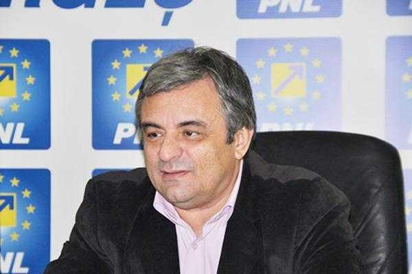 """Miuţescu visează: """"La Consiliul Naţional al PNL de la Piteşti vor fi viitorii miniştri"""" 5"""