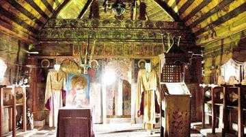 Biserica de lemn din Drăguţeşti, lăcaş de cult păstrat la Muzeul Goleşti 6