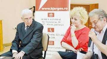 """Ilie Vodăian şi-a lansat al cincilea volum de poezii la Biblioteca Judeţeană """"Dinicu Golescu"""" Argeş 5"""