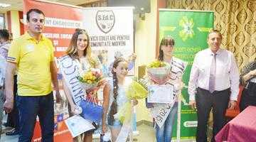 """Concursul """"Miss Oiniţa"""" şi-a desemnat câştigătoarele 2"""