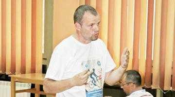 Laszlo Kiss, bibliotecarul-biciclist, a conferenţiat la Piteşti 4