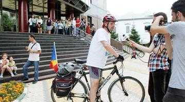Laszlo Kiss, bibliotecarul-biciclist, a conferenţiat la Piteşti 3