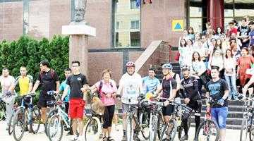 Laszlo Kiss, bibliotecarul-biciclist, a conferenţiat la Piteşti 5