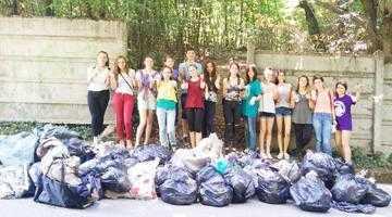 Voluntarii TEAM au ecologizat Pădurea Trivale 4