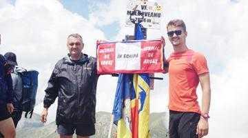Jurnalul de Argeş flutură din nou pe Vârful Moldoveanu 4