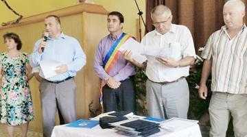 Zilele comunei Şuici. Lume multă şi de calitate a onorat invitaţia primarului Iatagan 5