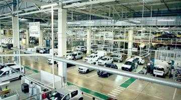 În timp ce la Mioveni invită oamenii la demisie, Dacia angajează masiv la Tanger 2