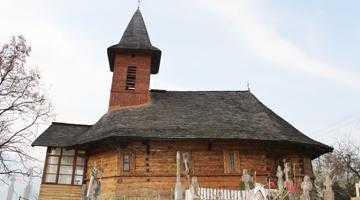 Bisericile de lemn din Suseni  şi Muşăteşti, două locaşuri  de cult valoroase uitate pe nedrept 3