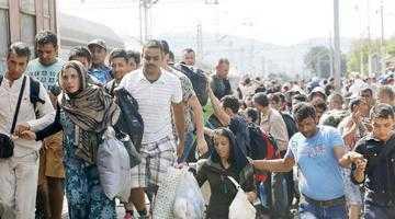 Ţâroiu se duce la Interne să întrebe de imigranţi 3