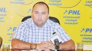 """Consilierul judeţean Narcis Sofianu: """"Voi vorbi cu doi lideri PNL despre viitorul Arpechim"""" 6"""
