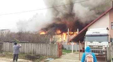 Fabrica Agrolact de la Mărăcineni, a şasea din Europa care arde din cauza structurii tip panou-sandwich 3