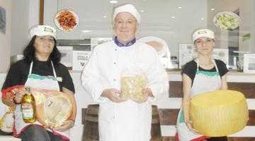 """Magazinul """"Prosciutto & Parmigiano"""" dă startul în Piteşti la degustări de delicatese culinare italiene 4"""