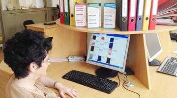 """Prin serviciul informaţional  al Bibliotecii Judeţene """"Dinicu Golescu""""  se poate prelungi termenul de returnare a cărţilor prin e-mail 5"""