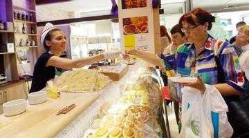 Gata, s-a deschis! Maraton de degustări la magazinul Prosciutto&Parmigiano cu ocazia inaugurării de la Piteşti 5