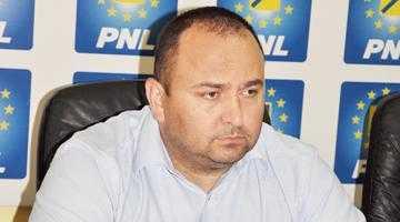 """""""Un Pendiuc şi la jumătate din capacitate este mult deasupra lui Ionică şi a celorlalţi colegi din PSD"""" 5"""
