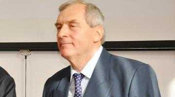 Magnatul Gheorghe  Badea a donat terenul  pe care s-a construit noua şcoală din Căteasca 6