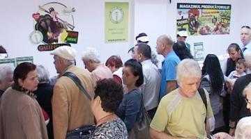 """Sute de piteşteni au participat la inaugurarea noului magazin """"Peneş Curcanul"""" din Găvana 5"""