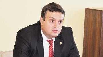 Prefectura Argeş are  peste 1.000 de dosare pe rolul instanţelor de judecată 5