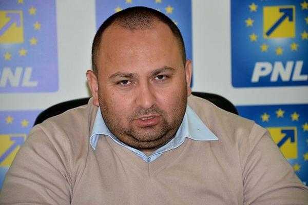 """Cum explică Sofianu absenţa sa la dezbaterea bugetului CJ Argeş: """"N-am fost nici la Milano, nici la Paris! Am o profesie"""" 5"""